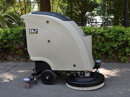 质量高的扫地车厂家有哪几个优点